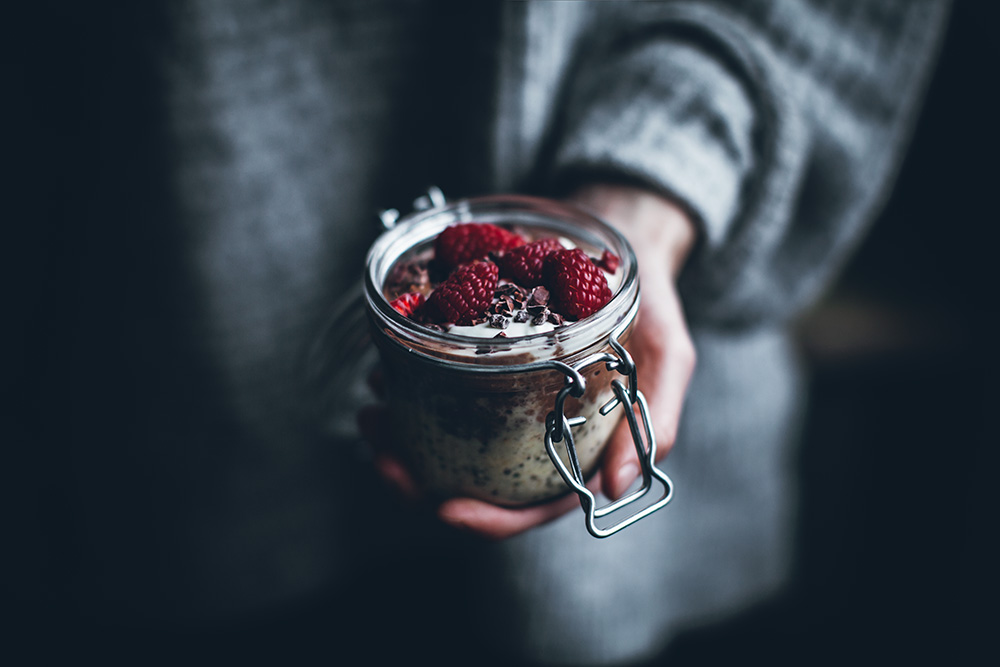 Snooze all morning - Overnight Oats by Linda Lomelino